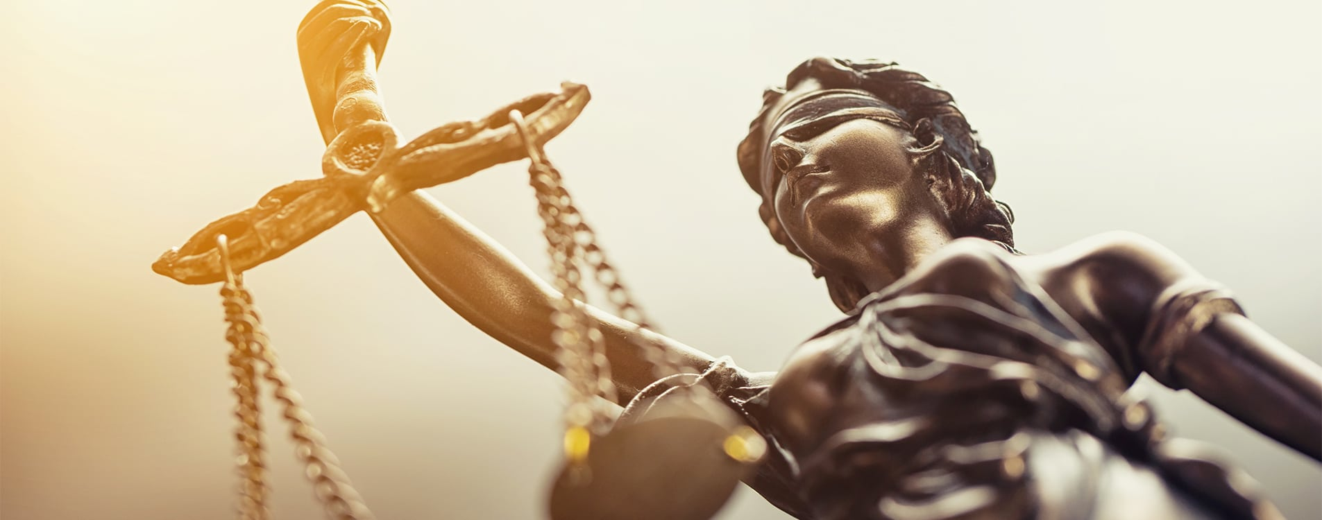 inavocats-statue-justice